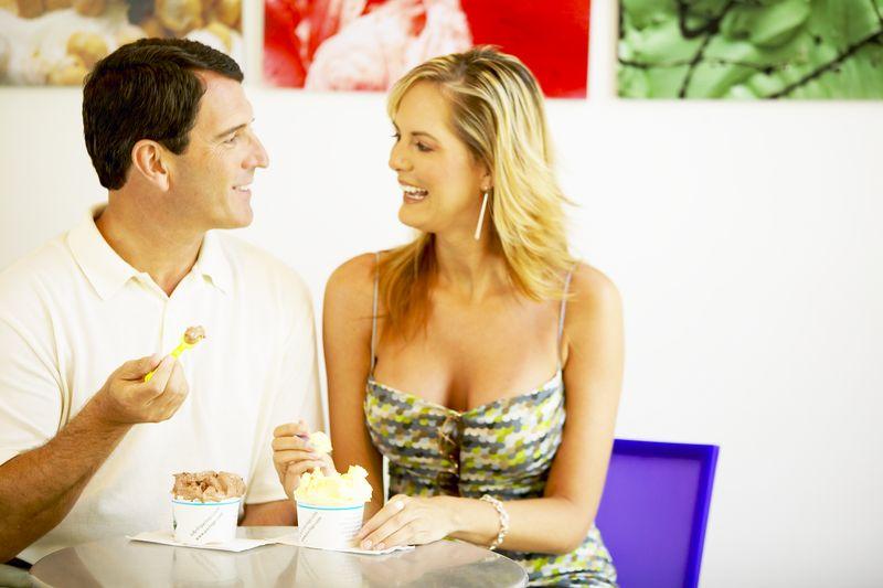 hogyan reagáljon, ha valakivel randiz? kkk fajok közötti randevúk